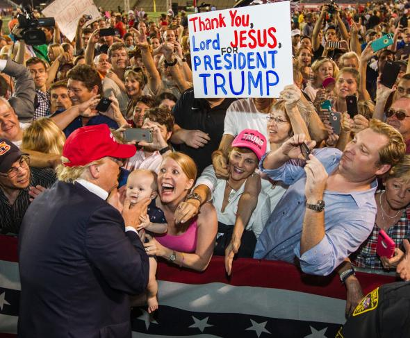 484797712-republican-presidential-candidate-donald-trump-greets.jpg.CROP.promovar-mediumlarge